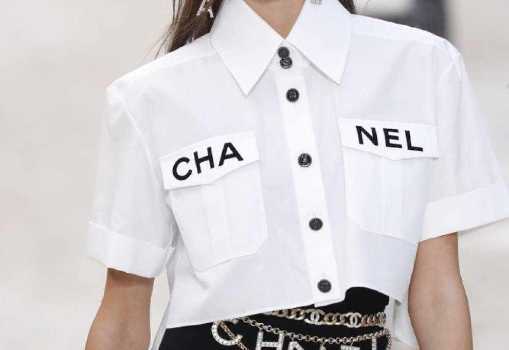 Kaia Gerber walking in the Chanel 2019 Spring/Summer Ready-to-Wear Collection.