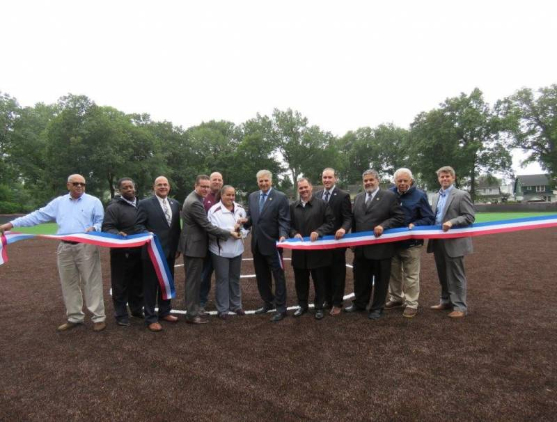 Photo: http://essexcountynj.org/essex-county-executive-divincenzo-announces-upgrades-to-fields-in-essex-county-branch-brook-park-and-essex-county-yanticaw-park/